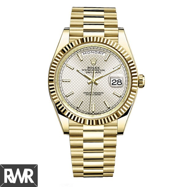 Replica Rolex Day-Date 40 Automatic Silver Diagonal Motif Dial 18kt Yellow Gold